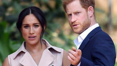 Queen Elizabeth II. kommt mit Prinz Harry zu Krisentreffen zusammen