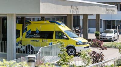 Die Stadt und der Verein Regio Wil setzen sich für den Erhalt des Spitals Wil ein. ((Bild: Mareycke Frehner))