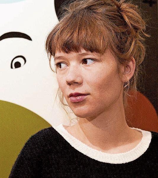 Die Autorin Julia Sutter wird von den Ideen zu ihrem ersten Roman erzählen.