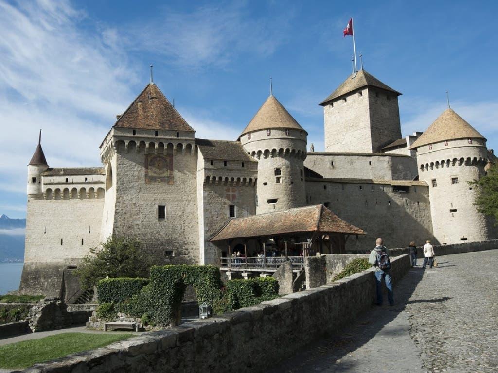 Das Schloss Chillon verzeichnet 2019 erneut einen Besucherrekord. Die Festung am Genfersee ist seit Jahren das meistbesuchte historische Gebäude der Schweiz.
