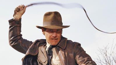 Die Helden-Fanfare von «Indiana Jones» (Harrison Ford) wird vom umstrittenen «Hollywood Symphony Orchestra» ebenfalls vorgetragen.