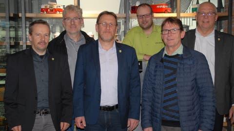 Präsentierten die Prioritäten der EDU (von links): Die Kantonsräte Christian Mader, Peter Schenk, Daniel Frischknecht, Lukas Madörin, Iwan Wüst (ganz rechts) und Parteipräsident Hans Trachsel. (Kurt Peter)