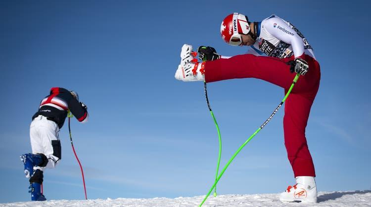 Carlo Janka (rechts): vielleicht nicht bei 100 Prozent, aber besser als im Vorwinter. (Bild: Anthony Anex/Keystone (Wengen, 14. Januar 2020))