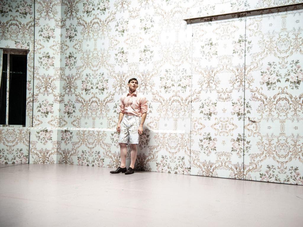 Vincent zur Linden als Julien. Probenfoto zu «Julien - Rot und Schwarz» von Lukas Bärfuss nach Stendhal im Theater Basel.