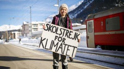 Wie im vergangenen Jahr wird Greta wohl mit dem Zug nach Davos reisen. An der Anti-Wef-Wanderung nimmt sie nicht teil. (Bild: Valentin Flauraud, KEYSTONE)