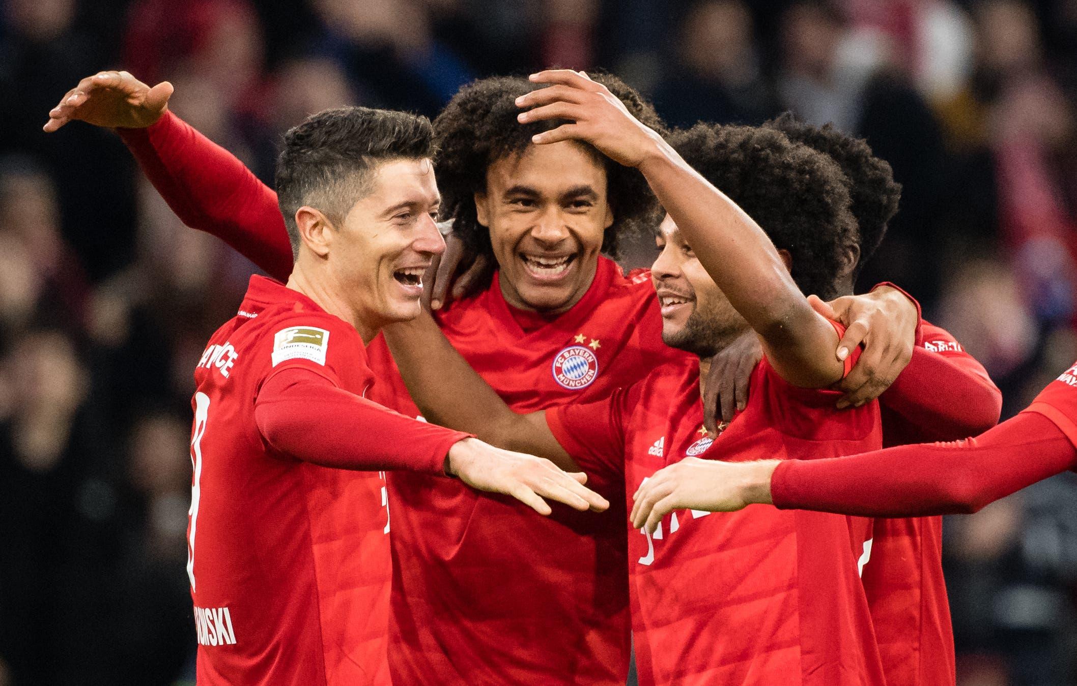 Bayern MünchenTabellenplatz: 3  Prognose: Rang 2  Begründung: Es wird ein enges Rennen, am Ende setzt sich aber Leipzig durch und holt den ersten Meistertitel.