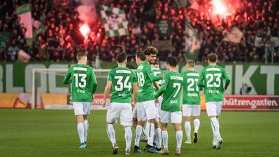 Feiern, feiern, feiern: Der FC St.Gallen gewann in der Hinrunde elf der18 Spiele. (Bild: Michel Canonica)