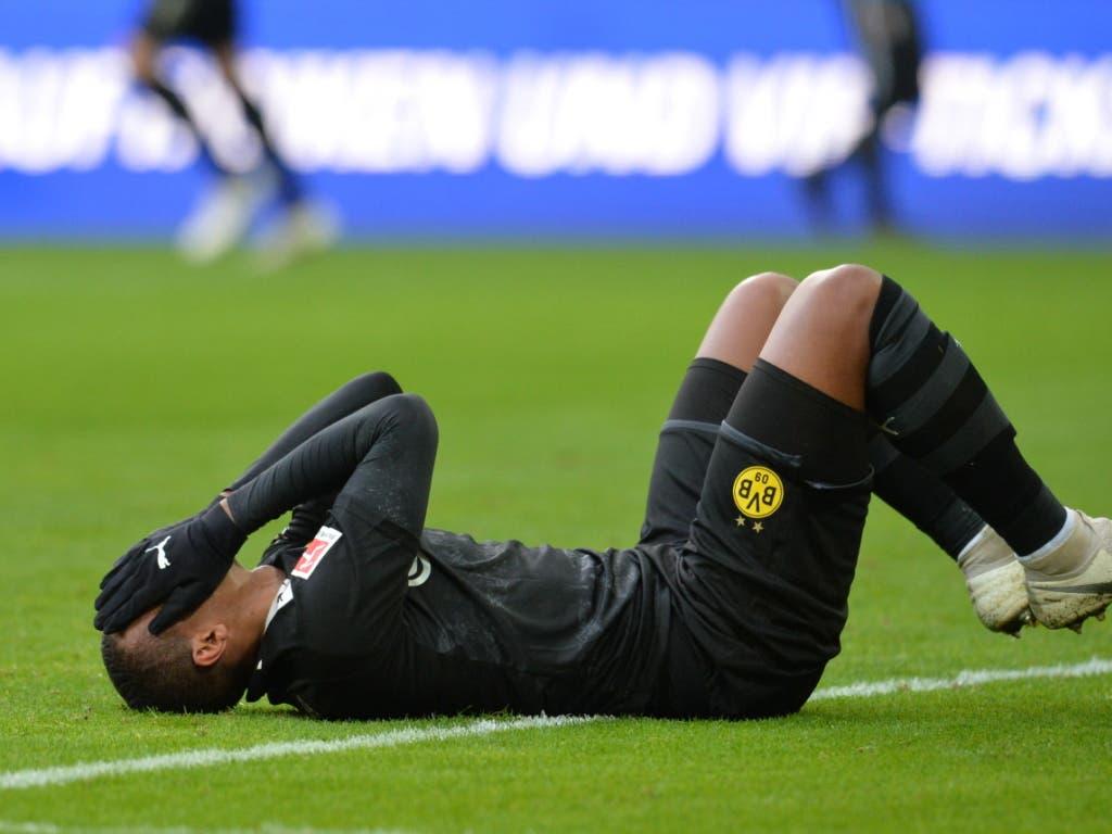 In Augsburg sah es lange nicht gut aus für Manuel Akanji und Borussia Dortmund - nach 55 Minuten lag der BVB 1:3 zurück