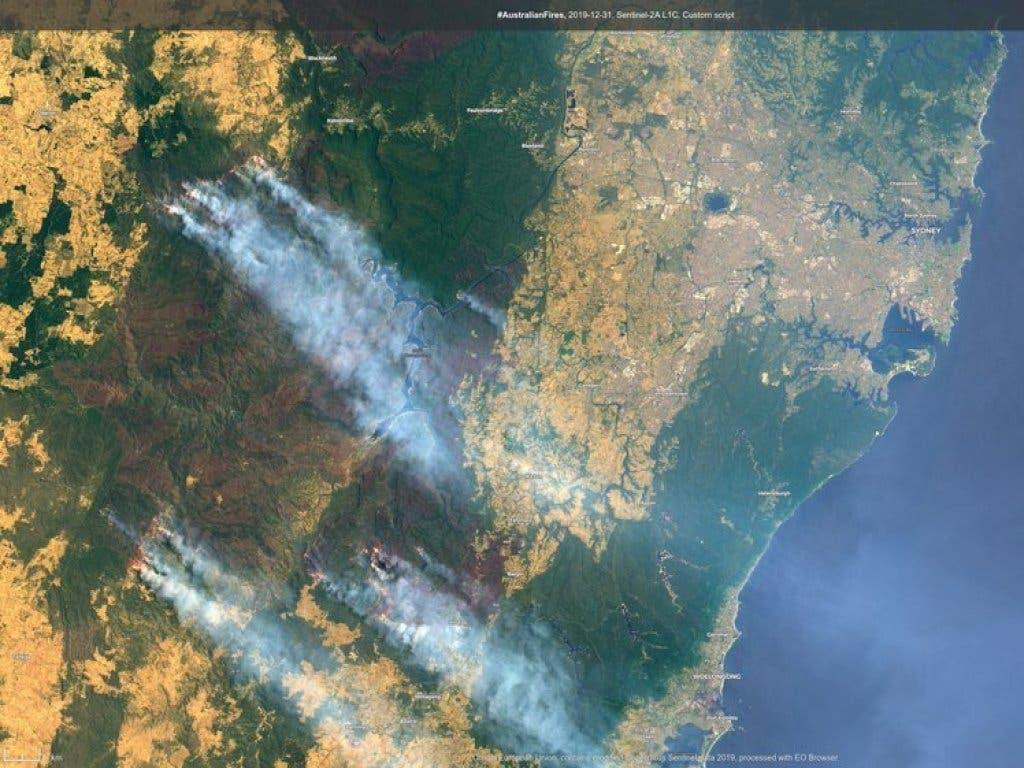 Satelliten-Aufnahme der Region um Sydney: Schweizer Touristen scheinen in den Brandgebieten unmittelbar keine in Gefahr zu sein.