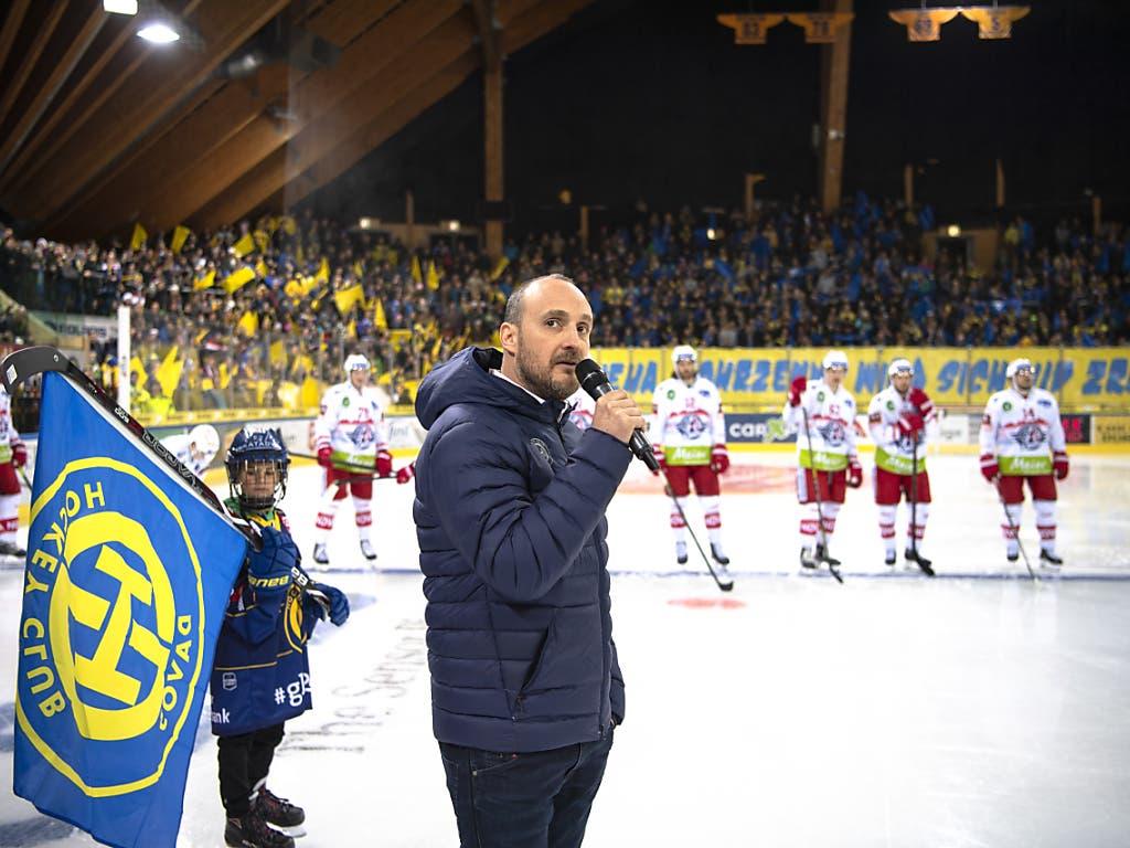 Der Davoser Trainer Christian Wohlwend entschuldigte sich vor dem Spiel bei den HCD-Fans