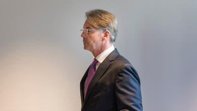 Der St.Galler Rechtsanwalt Patrick Stach gibt seinen Rücktritt als Universitätsrat bekannt. (Bild: Hanspeter Schiess)