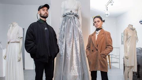 Zwei St.Galler zeigen in einem ehemaligen Sexkino junges Design