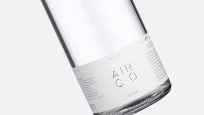 Der Wodka der Marke Air Co wird CO2-negativ produziert. (Bild: zvg)