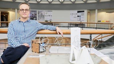 Elio Garbani mit seinem Modell «Crystal». (Bild: Jakob Ineichen)