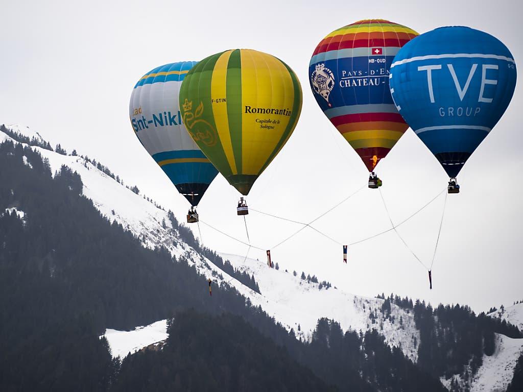 60 Piloten aus 15 Ländern sind am 42. Heissluftballon-Festival in Chateau-d'Oex dabei.