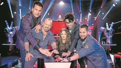 Die Coaches von «The Voice of Switzerland» (von links): DJ Antoine, Gölä, Anna Rossinelli, Noah Veraguth und Trauffer. (Bild: 3+)
