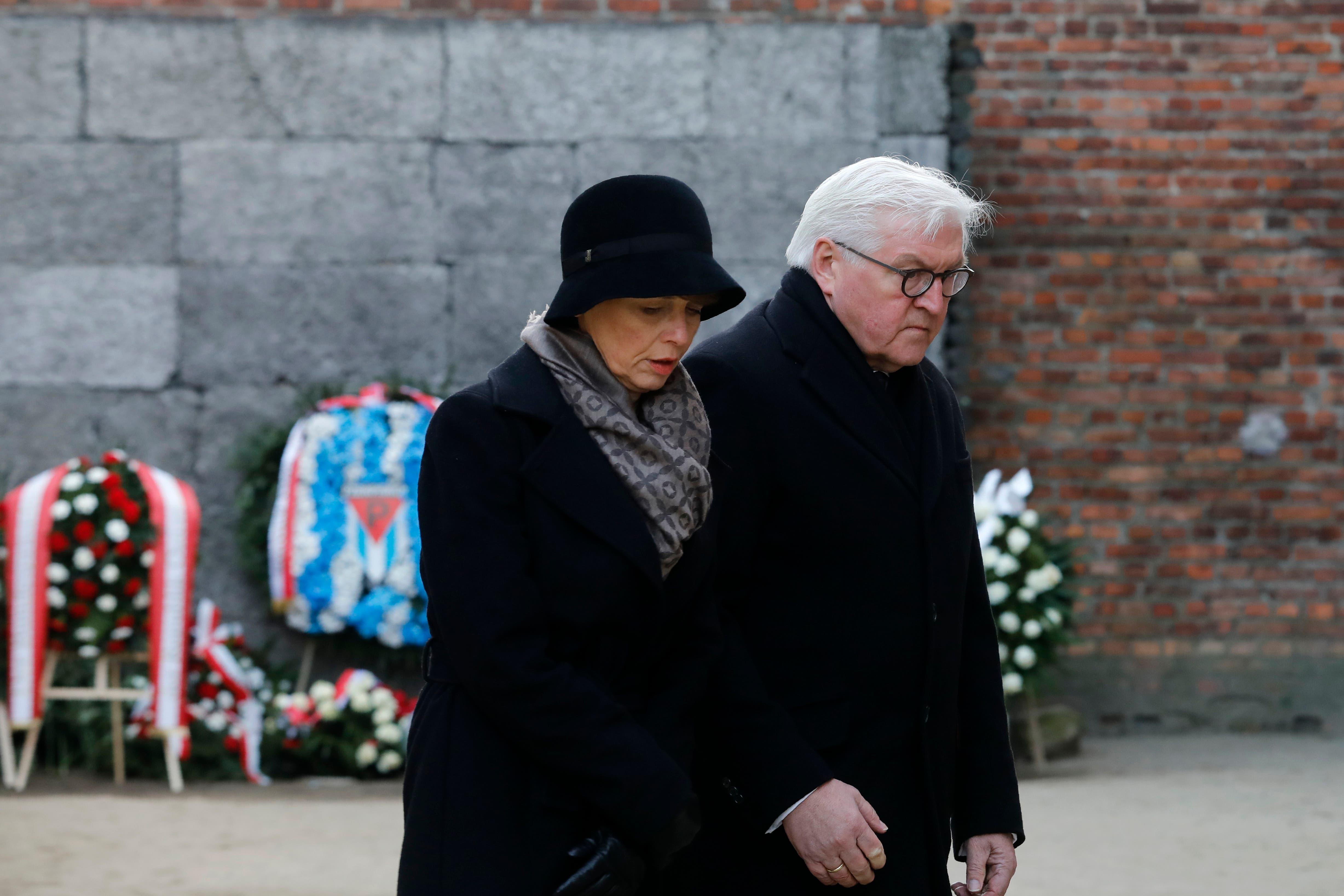Deutschlands Bundespräsident Frank-Walter Steinmeier mit seiner Ehefrau.