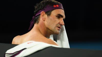 Roger Federer kämpft mit seinem Gegner, sich und seinem Körper. (Bild: (Freshfocus))