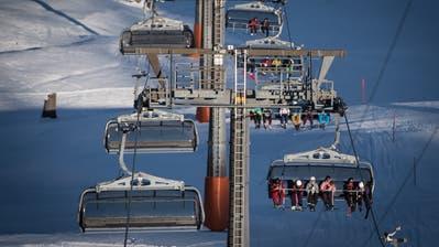 Der Wintersport birgt Risiken. Hiesige Betreiber haben über die Festtage allerdings kaum Unfälle verzeichnet. (Benjamin Manser)