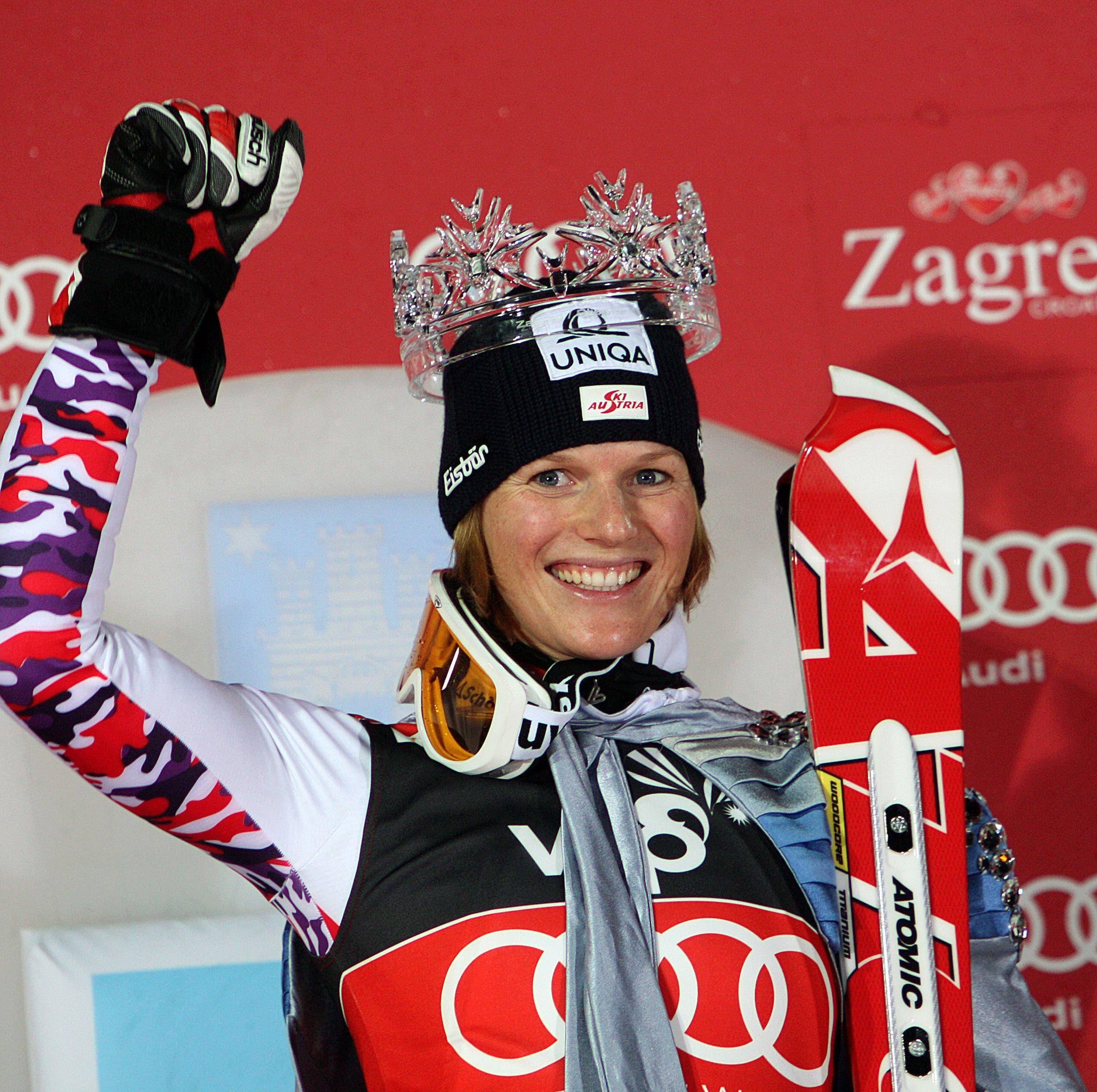 Marlies Schild: Die Österreicherin dominierte den Slalom im Weltcup über Jahre hinweg. Sie feierte in dieser Disziplin insgesamt 35 Siege. Die Krone als Schneekönigin von Zagreb durfte sich Marlies Schild gleich viermal aufsetzen lassen – Rekord.