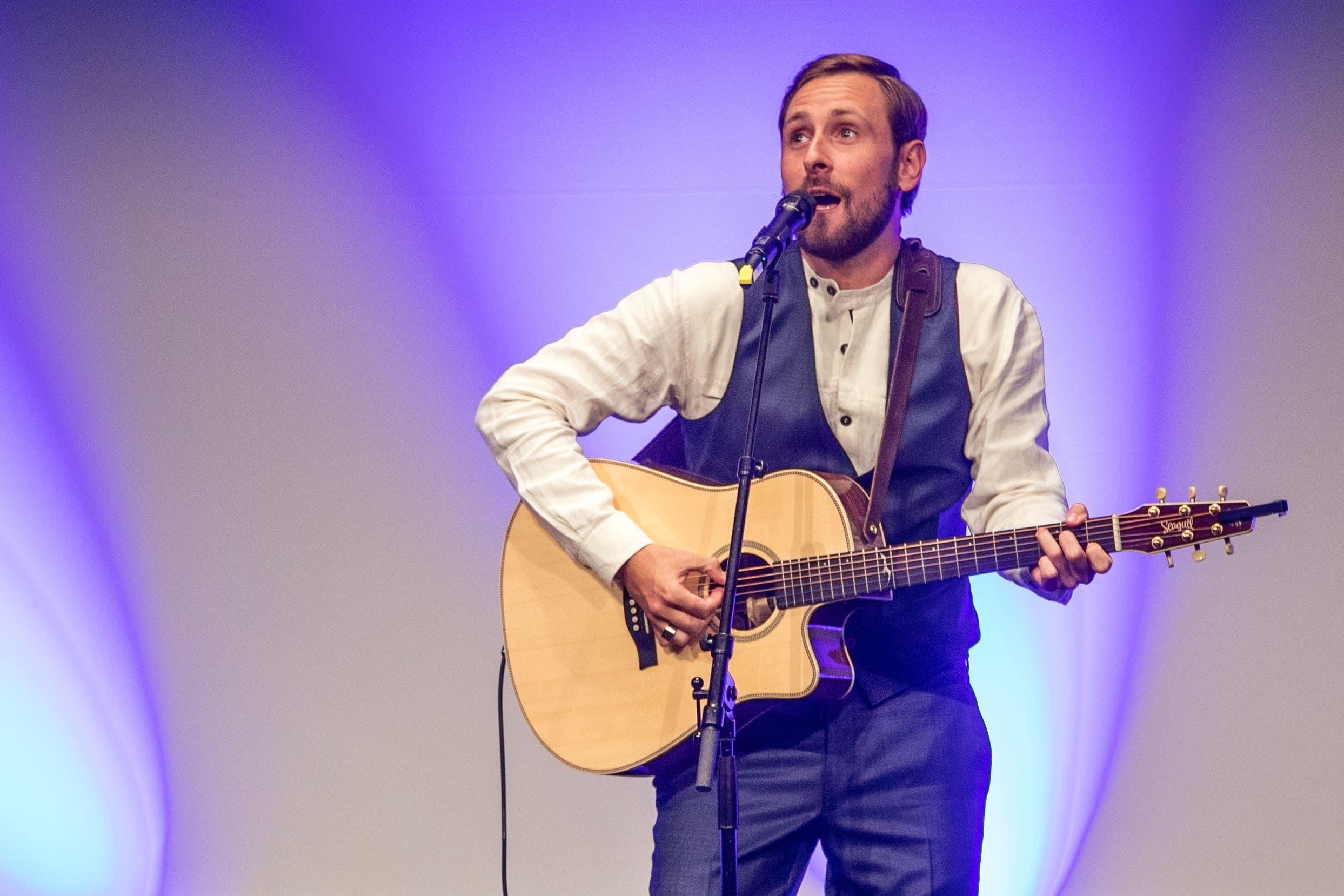 Aus Luzern vertreten ist auch «Kunz» alias Marco Kunz.Auch er wurde gleich zwei mal nominiert: für den «Best Male Act» und mit seinem Album «Förschi» für die Kategorie «Best Album».