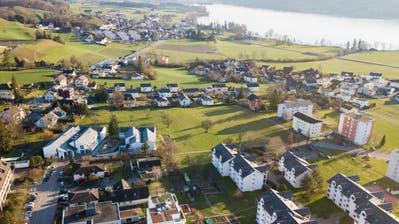 Blick auf die Gemeinde Hitzkirch, auch sie muss rückzonen. (Bild: Boris Bürgisser, 15. Januar 2019)