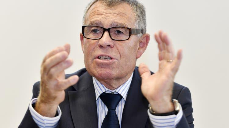 Derdiplomierte Meisterlandwirt Ernst Stocker ist neu der oberste Finanzdirektor der Kantone. (Keystone)