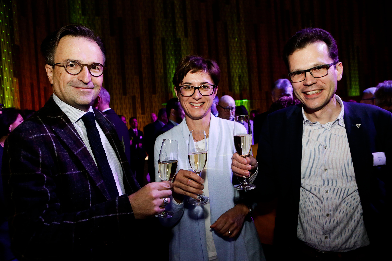 David H. Bon, der Chef der Thurgauer FDP, mit Regierungsrätin Monika Knill und dem Arboner Stadtpräsidenten Dominik Diezi.