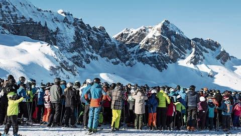 Weisse Pracht, schwarze Zahlen, rote Köpfe: Alpiner Tourismus jubelt über starken Saisonstart – anders die Skifahrer