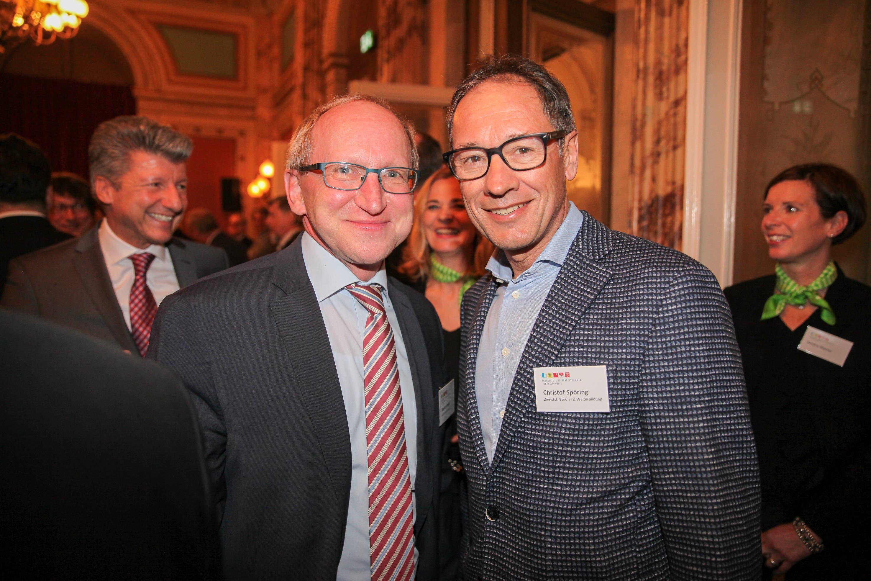 Markus Hodel (Rektor der Hochschule Luzern, links) und Christof Spöring, Dienststellenleiter Berufs- und Weiterbildung.