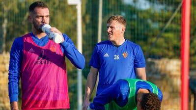 Konstantinos Dimitriou (links) im Traininslager mit dem FC Basel in Marbella (Andy Mueller/Freshfocus)