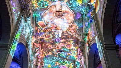 So wird die Luzerner Hofkirche am Lilu Lichtfestival in Szene gesetzt