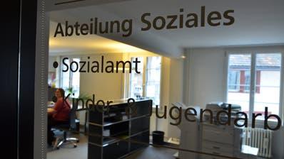Der Job Coach soll als Externer mit dem Sozialamt zusammenarbeiten. ((Bild: Max Eichenberger))