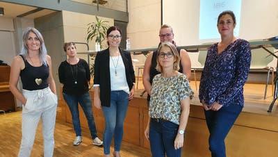 Frauenpower im Vorstand mit der neuen Präsidentin Sandra Stadler (3.v.l.) (Bild: PD)