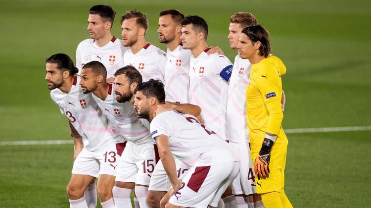 Die Schweizer Startelf in Madrid gegen Spanien. (Keystone)
