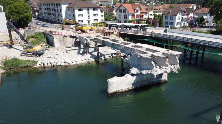 Zum Kettenbrücke-Walzer von Strauss: Fliegen Sie über den abgerissenen Aare-Übergang