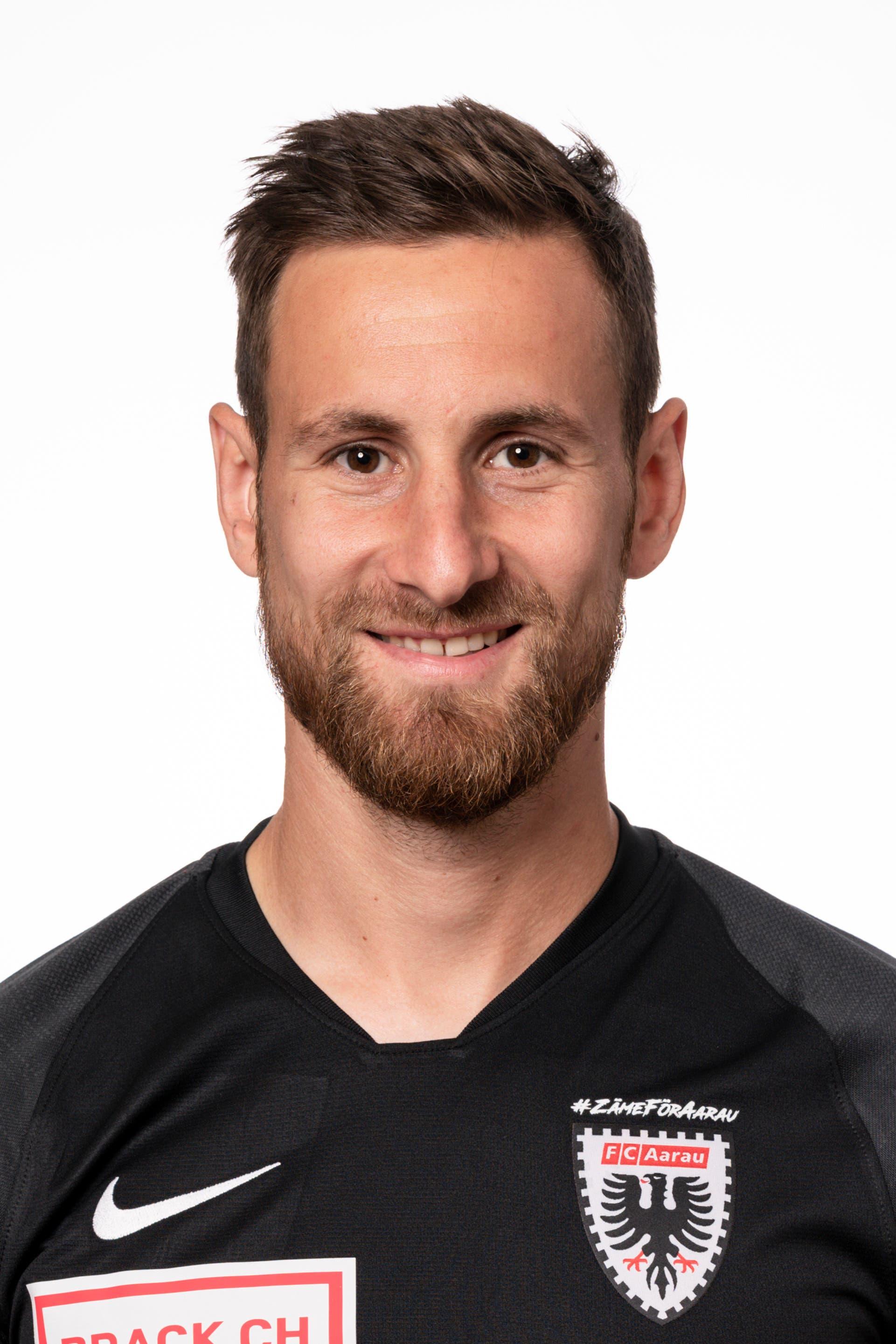 Jérôme Thiesson: Note 3,5 Kann Gamarra nicht an der Flanke hindern, die zum 1:1 führt. Im Aufbauspiel ohne nennenswerte Aktionen.