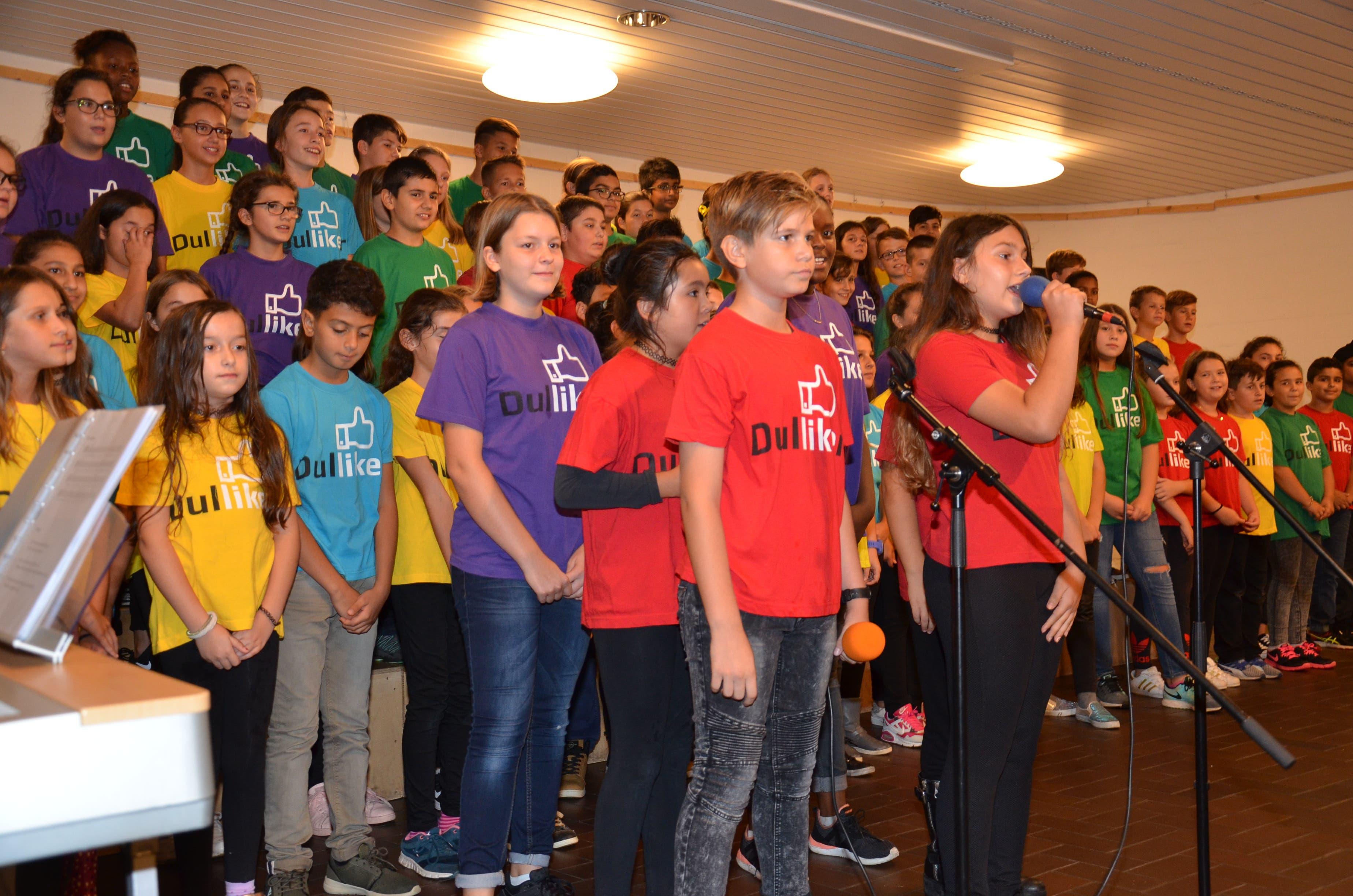 Konzert des Dulliker Schülerchor im Saal der kath. Kirche