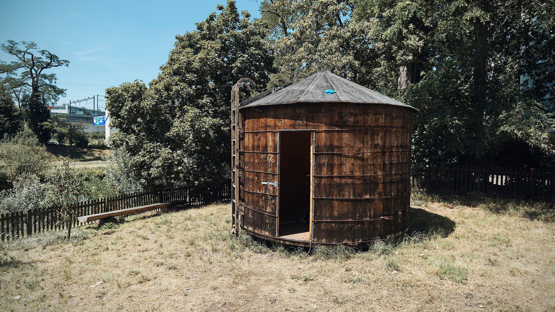 Der Wassertank ist eine der Ausstellungsflächen, die Salts in Birsfelden bietet.