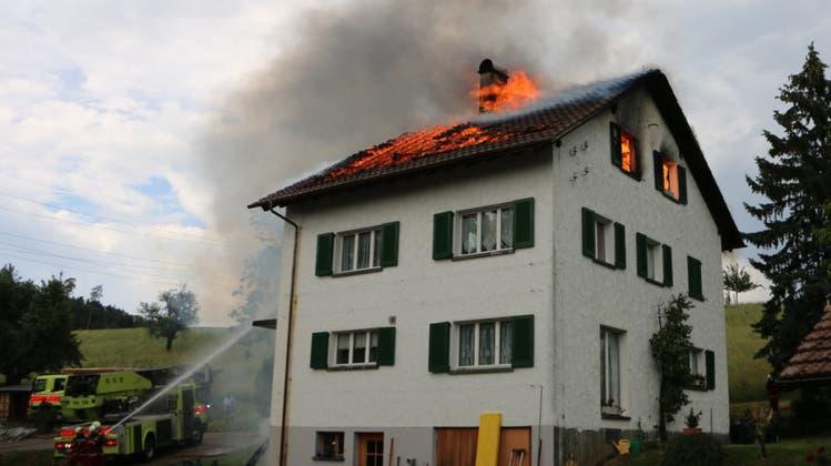 Keine Verletzten beim Brand eines Einfamilienhauses – jedoch ein grosser Sachschaden