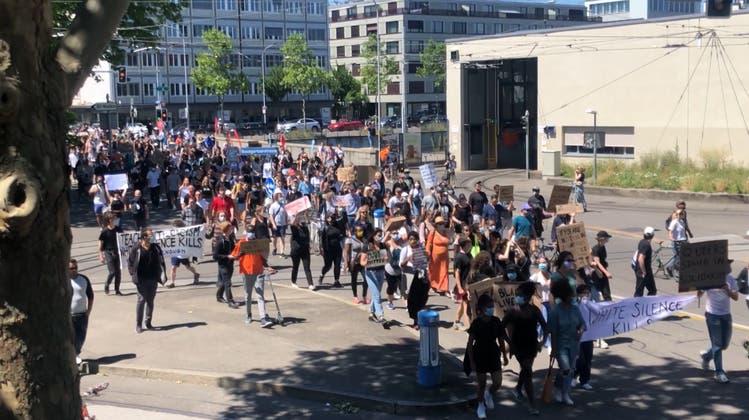 «Black Lives Matter»: Rund 1000 Demonstrierende marschieren heute durch Zürich