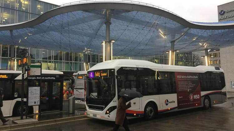 «Das ärgert uns natürlich» – in Aarau fahren die Busse mit falscher Anschrift