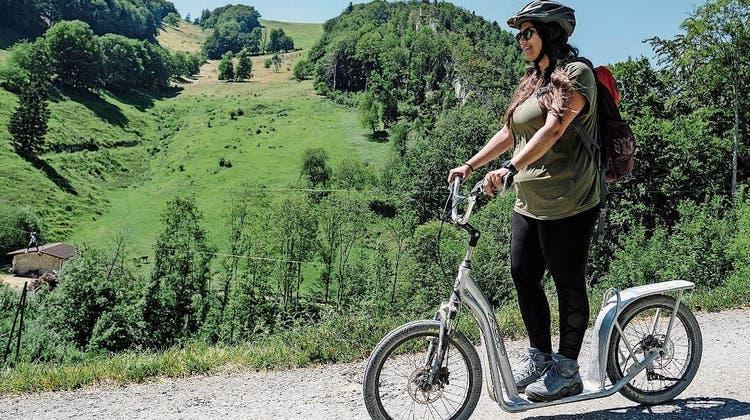 Wandern, klettern und Trottinett fahren: Abenteuer auf dem Baselbieter Hausberg