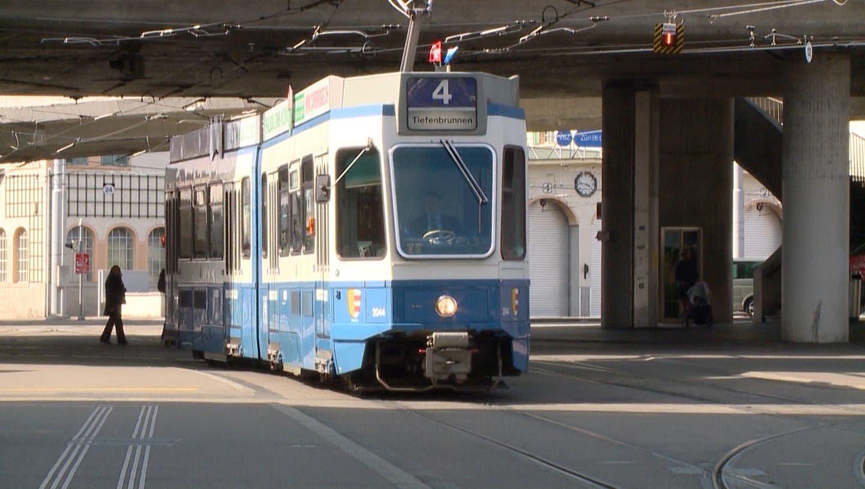 Tradition erliegt der Sicherheit: Die VBZ-Fahrzeuge verzichten nicht nur am 1. August auf die «Fähnli»