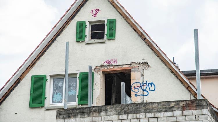 Rätsel um zerfallendes Haus in Riehen