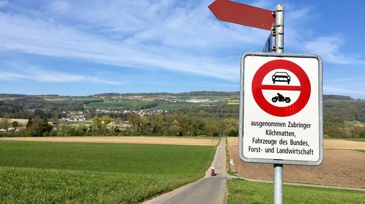 Neues Fahrverbot: Auf dem Weg zur Sandbank an der Reuss droht jetzt eine Busse