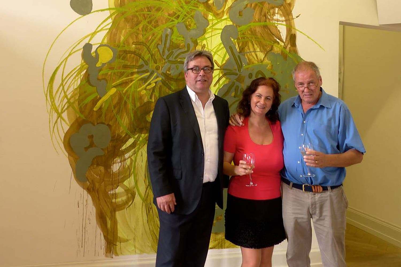 Niggi Messerli (rechts) an der Vernissage «Zeitgenössische Kunst» aus St. Petersburg im Palazzo. Links der Baselbieter alt Regierungsrat Urs Wüthrich (SP).