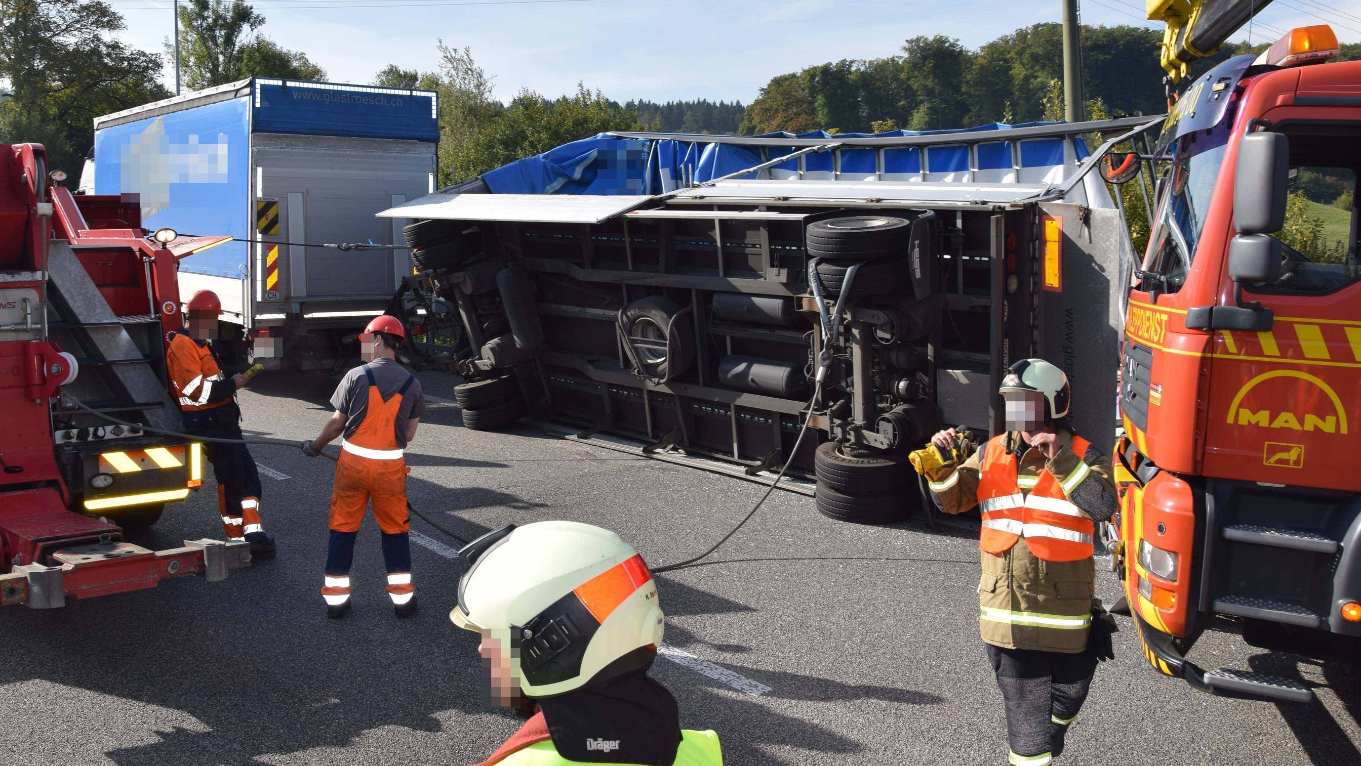 Unfall Glastransport auf Autobahn A5
