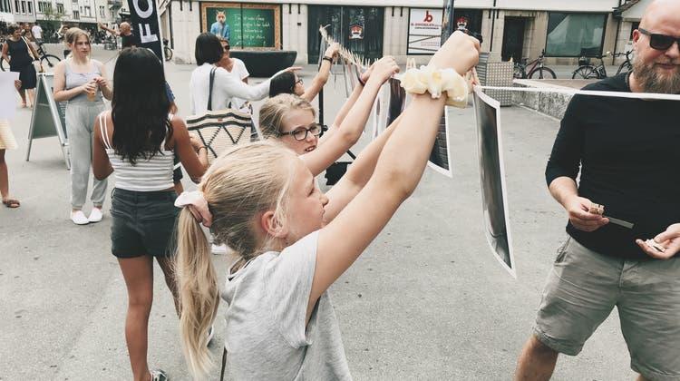 Kinder fotografieren wie die Grossen am Workshop des International Photo Festival Olten