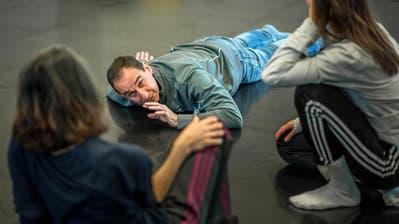 Marco Santi, frühererTanzchef am Theater St.Gallen, coacht neu junge Choreografen und freie Tanzkompanien. (Bild: Michel Canonica)